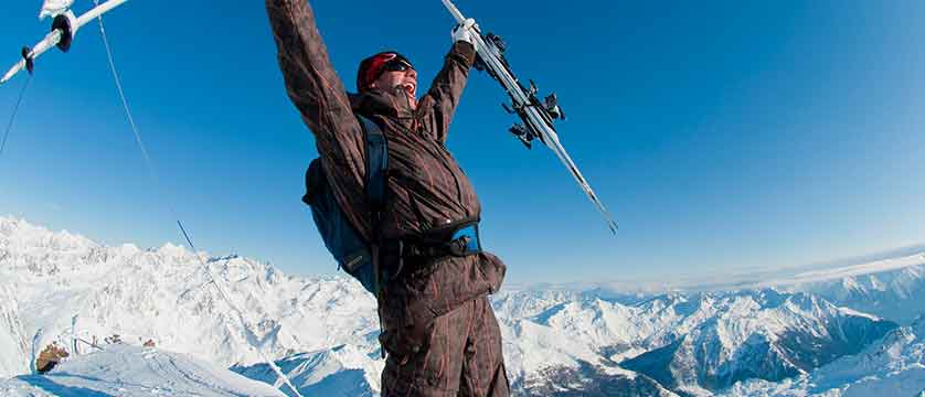 Austria_Obergurgl_skier.jpg